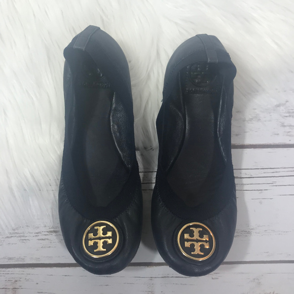 70627281404c TORY BURCH CAROLINE BLACK LEATHER ELASTIC FLATS.  M 5abdfd9385e60529f7f69fec. Other Shoes ...
